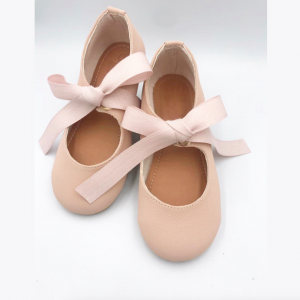 Zapato Rosa Mercedita con lazo